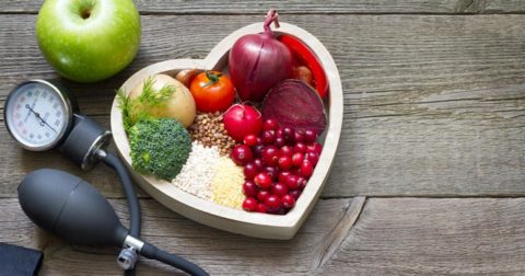 Сохранить чистоту сосудов и укрепить сердечную мышцу помогут полезные продукты.