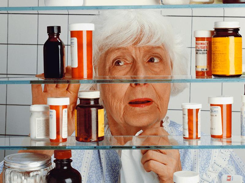 Препараты для борьбы с атеросклерозом принимают длительно, часто всю жизнь
