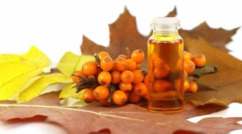 Масло облепихи – лидер по содержанию полезных веществ, витаминов и микроэлементов.