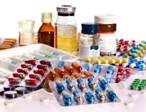 Многие медикаментозные комплексы, применяемые при варикозе вен, отпускаются из сети аптек по рецепту.