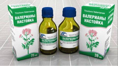 Настой валерианы – растительный, седативный препарат.