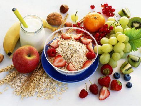 Основу рациона должны составлять крупы, фрукты и овощи