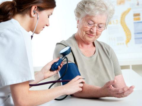 Пациенты с атеросклерозом должны посещать врача регулярно