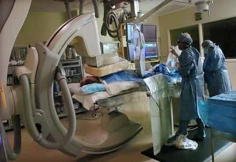 Процесс проведения катетеризации сердца и его сосудов.