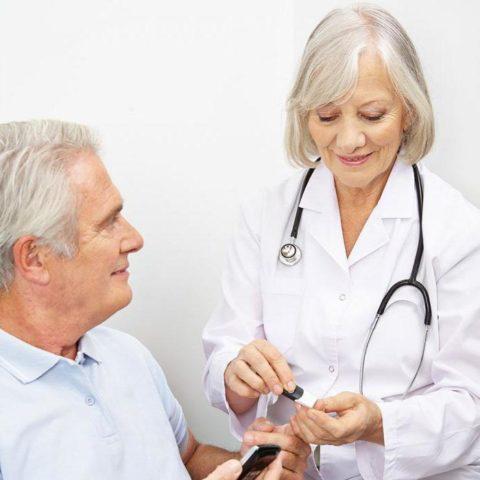 С сосудистыми нарушениями не понаслышке знакомо до 90% диабетиков