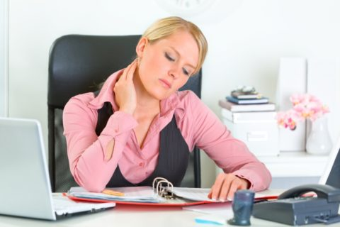 Сидячая работа как причина проблем.