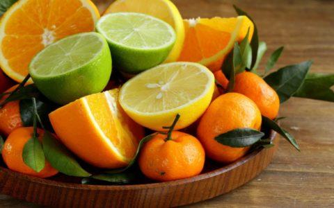 Цитрусовые фрукты особенно полезны для здоровья сосудистой системы.