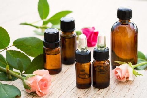 Укрепить сосуды и повысить их тонус помогут разнообразные эфирные масла.