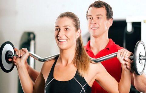 Выполнять упражнения необходимо с тренером