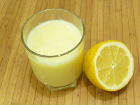 Лимонный сок полученный из целого лимона