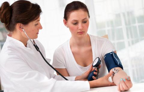 Контроль уровня артериального давления необходим для подбора средств терапии