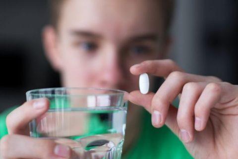 Медикаменты при варикоцеле не являются основным способом лечения