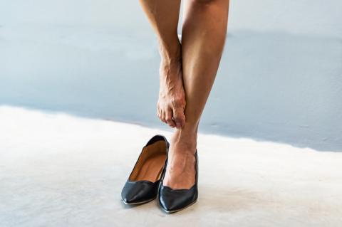 Если проступили вены на ногах, значит пришла пора регулярно заниматься физкультурой