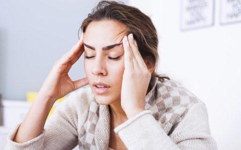 Частые мигрени и головные боли сигнализируют о возможных патологиях сосудов головы и шеи