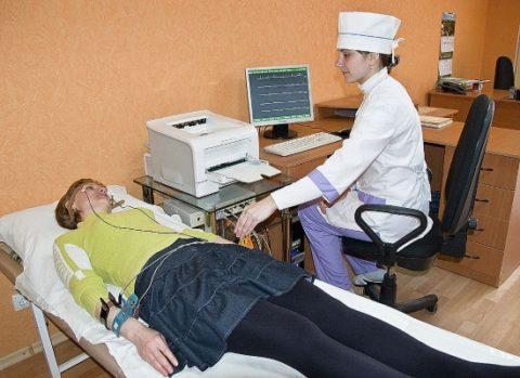 РЭГ сосудов головного мозга позволяет быстро оценить функциональные особенности вен и артерий головы